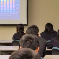 具志川商業高校・講演の様子